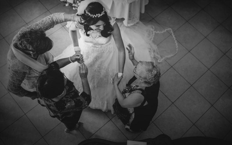 Fotografo Matrimonio Foggia casa posa mamma zia